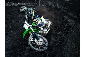 Kawasaki unveils 2014 KX250F and KX450F motocross machines!