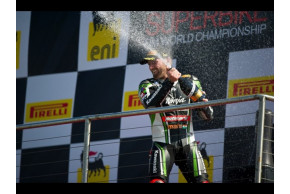Sykes wins both home races at Donington WSBK