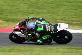 Trayler celebrates 6th place with a consistent performance at Brands Hatch