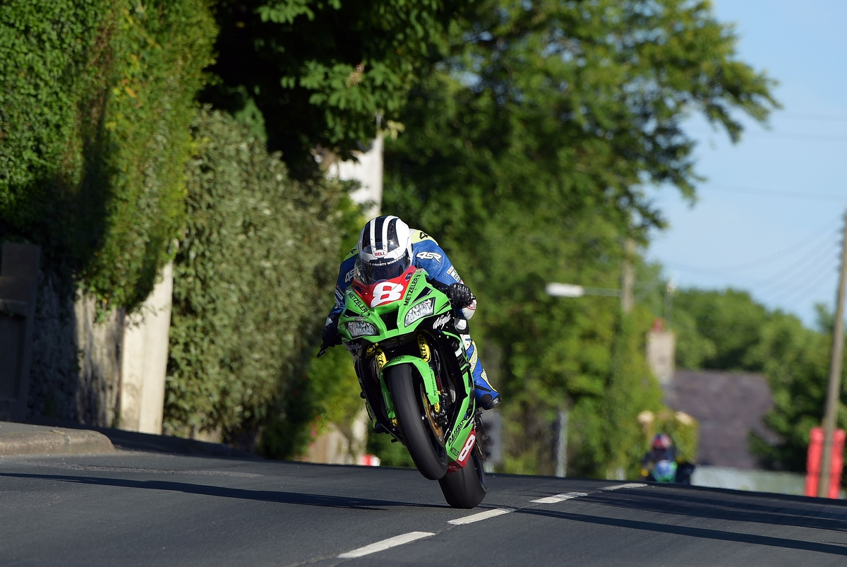 MSS Colchester Kawasaki Power William Dunlop To Eighth Place At Isle of Man TT Despite Injury