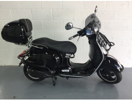 Pre registered Vespa GTS 300 Super ABS with over £1000 worth of accessories!